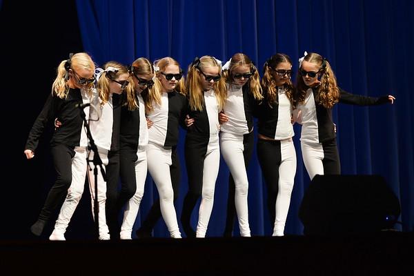 The Illusionists (4)
