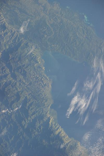 Reid Wiseman @astro_reid  Jun 2 Goodnight from ISS.  Lush beauty in Papa New Guinea