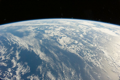 Reid Wiseman ‏@astro_reid  Jun 1 Goodnight from space. Our planet is almost all ocean and so pretty.