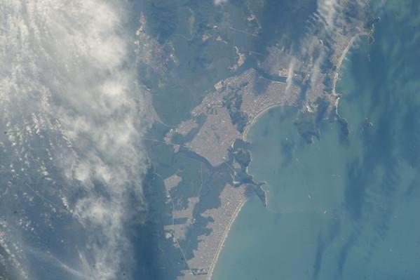 Reid Wiseman: A nice day to hit the beach in Santos, Brazil