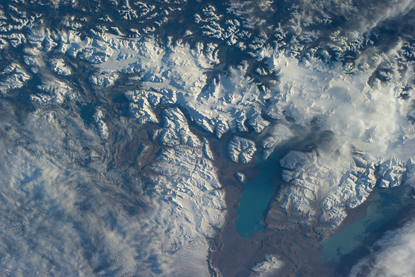 Reid Wiseman ‏@astro_reid  Jun 1 Gorgeous glacial flows near Straits of Magellan. I was there in '08.