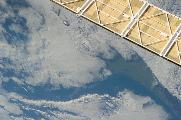 Reid Wiseman @astro_reid  Jun 2 Two volcanoes peek through the morning clouds near Auckland, New Zealand