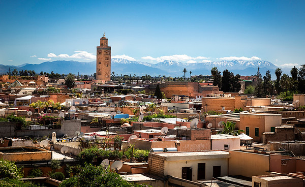 Marrakesh in all it's glory.....the Koutoubia Mosque with the Atlas Mountains