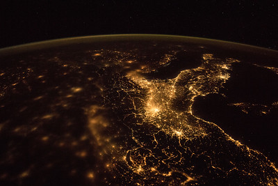 looking south over Italy, Geneva (Switzerland), Turin, and Milan in photo