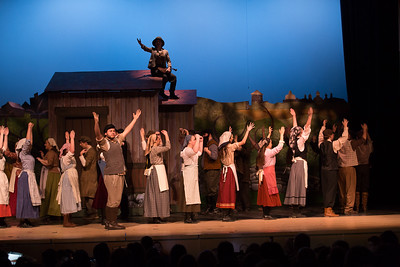 Fiddler on the Roof-39