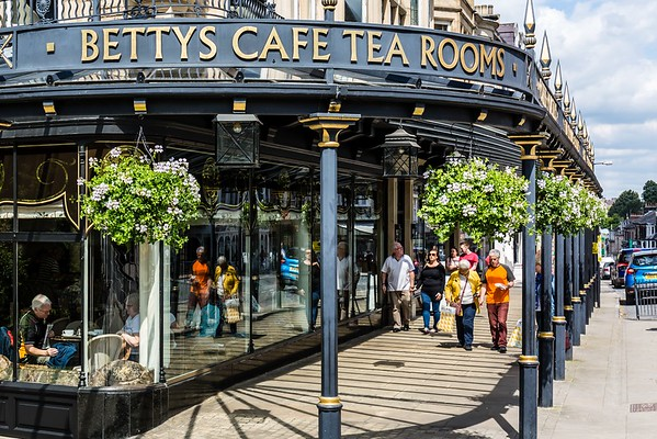 Bettys Cafe Tea Rooms, Harrogate in Yorkshire