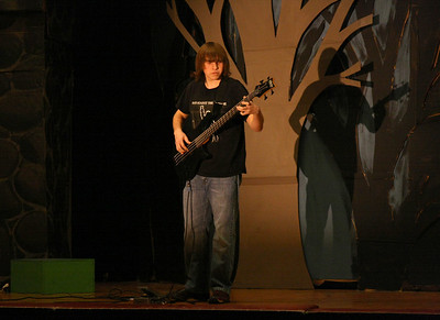 450D-TalentShow-3-14-2009_1121