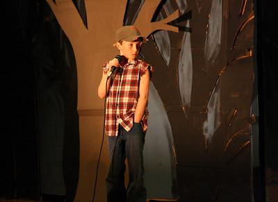 450D-TalentShow-3-14-2009_1038