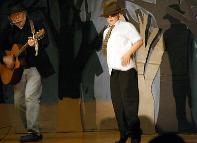 450D-TalentShow-3-14-2009_1186