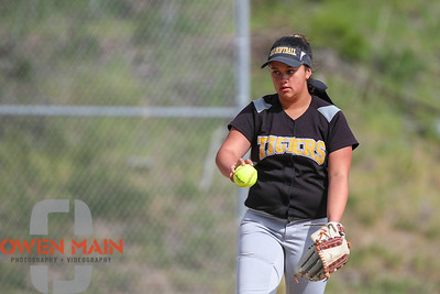 5/1/183:31:14 PM --- San Luis Obispo High School JV Softball played a game against Pioneer Valley High School.  Photo by Owen Main / Fansmanship.com