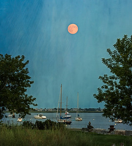 Moon at Newburyport