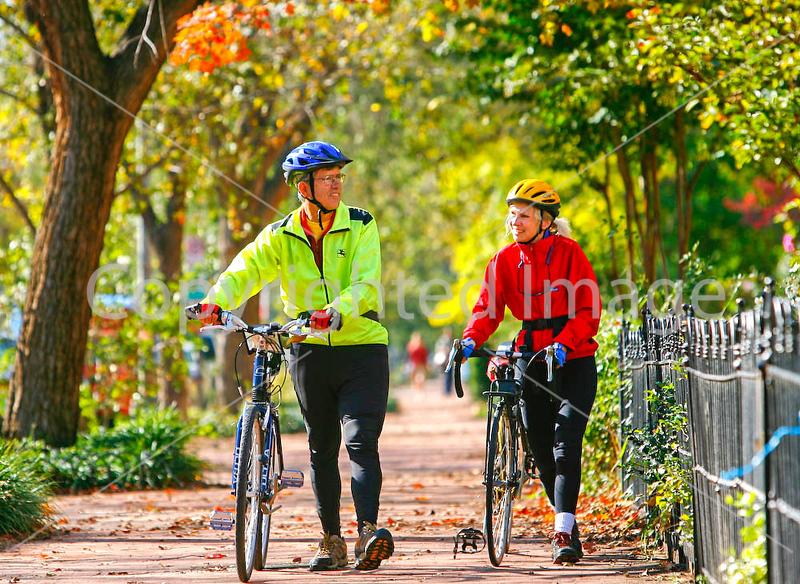 Cyclists in Washington, DC, near the Capitol - 72 dpi -1334-2