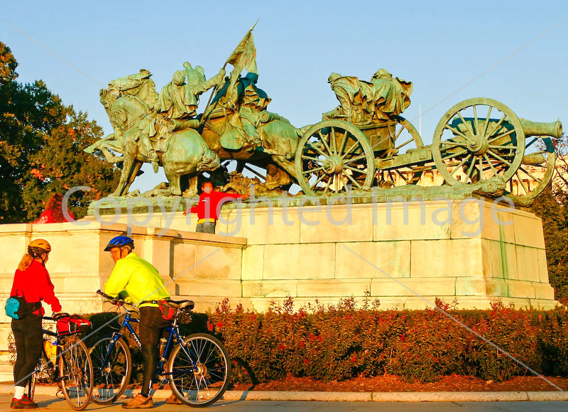 Cyclists at Grant Memorial near Capitol in DC - 72 dpi -0349