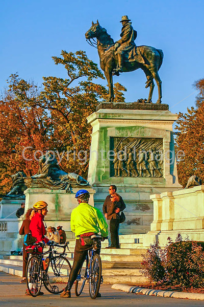 Cyclists near Capitol Hill in Washington, DC - 72 dpi -1600