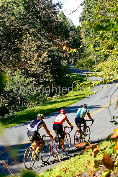 Blue Ridge Parkway - day riders, northernmost section, mileposts 6 thru 30, approx - Card 8J - -0151 - 72 dpi