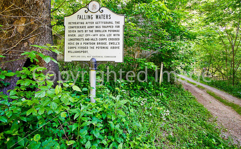 Sign along C&O Trail in Maryland -D1C2--0297 - 72 ppi