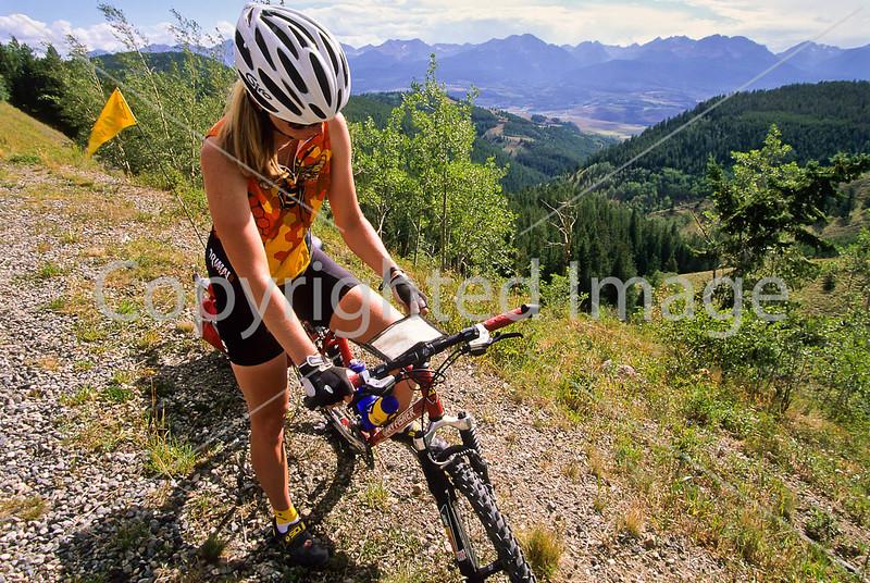 Tourer at Ute Pass near Silverthorne, Colorado - 7 - 72 ppi
