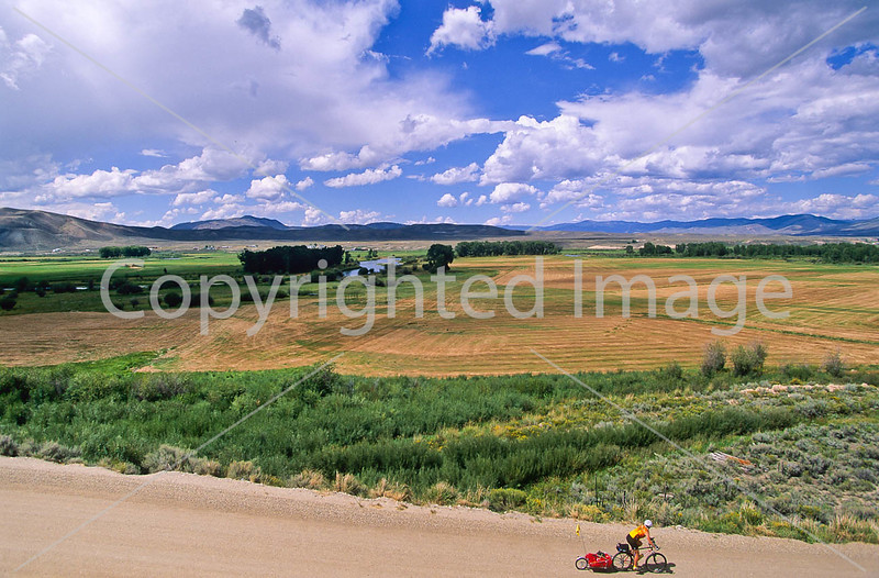 Tourer on Great Divide & Great Parks South Trails near Kremmling, Colorado - 26 - 72 ppi