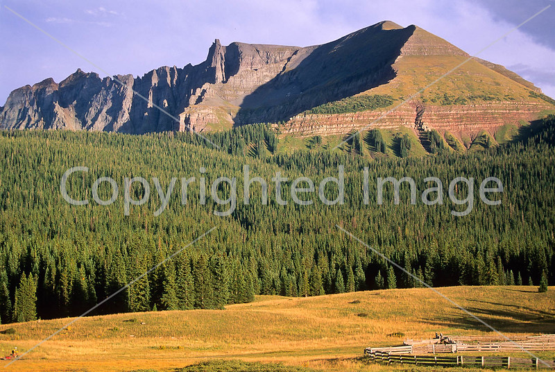 Tourer on dirt road near Lizard Head Pass & Telluride, Colorado - 15 - 72 ppi
