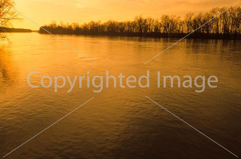 Winter sunset over Wabash River at George Rogers Clark Nat'l Historical Park, Vincennes, IN -  15 - 72 ppi
