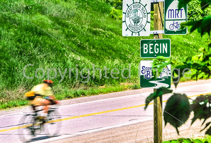 Cyclist on MO Hwy 79 between Hannibal & Louisiana - Great Rivers Route - 1 - 72 ppi
