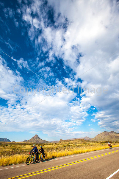 Southern Tier riders, Fort Davis to Alpine, Texas - C2-0150 - 72 ppi