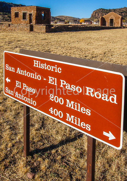 Texas -  Old San Antonio-to-El Paso Road through Fort Davis Nat'l Historic Site -  C8e-'08-2713 - 72 ppi