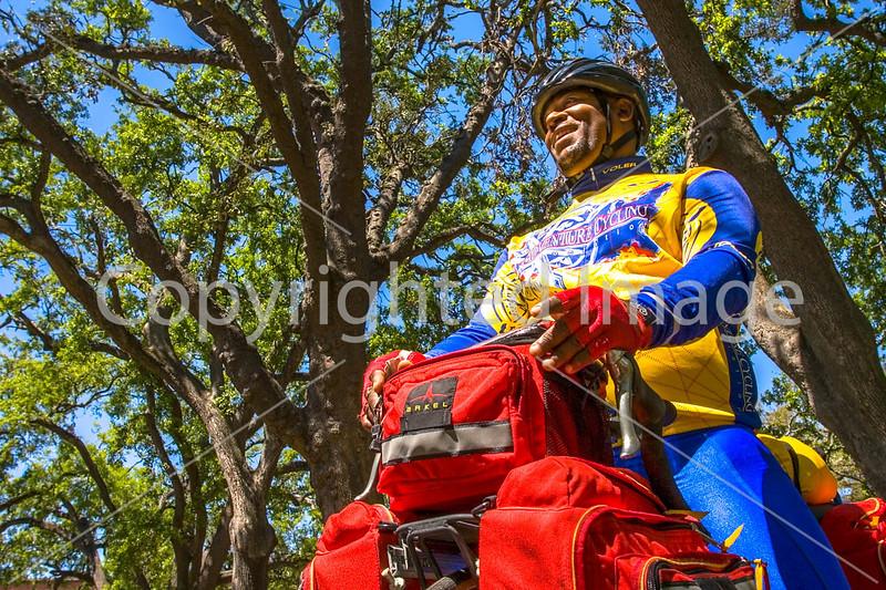 B al mobile - Touring cyclist in Mobile, Alabama's Bienville Square_mobi0100 - 72 ppi