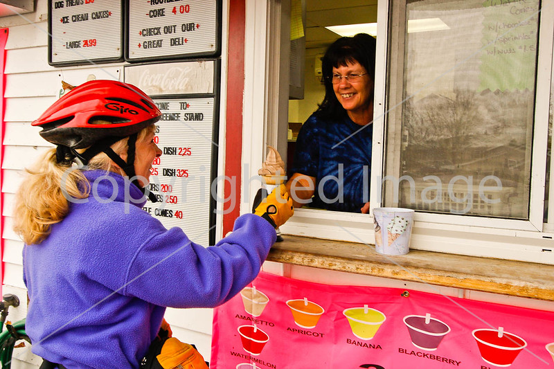 Cyclist at Devyn's Creemee Stand in Sheldon Springs, VT -0039 - 72 ppi