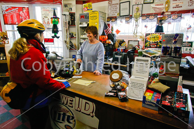 Byam's Quick Stop in East Franklin, Vermont-C2--0115 - 72 ppi