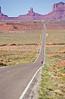 Tourer near Monument Valley Navajo Tribal Park on UT-AZ border - 4 - 72 ppi