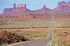 Tourer near Monument Valley Navajo Tribal Park on UT-AZ border - 6 - 72 ppi