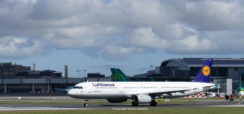 31.3.16. Planes at Dublin Airport