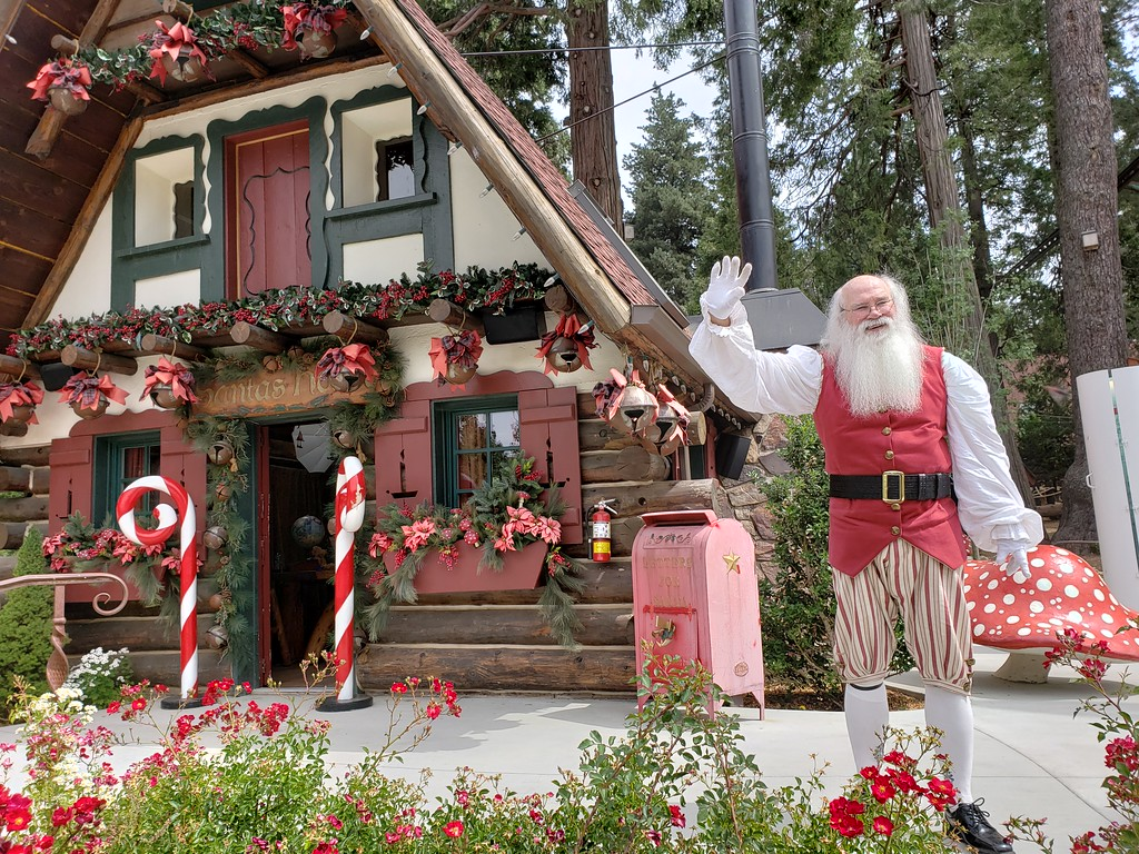 Our SIX favorite moments of CHRISTMAS IN JULY 2018 at SkyPark at Santa's Village!