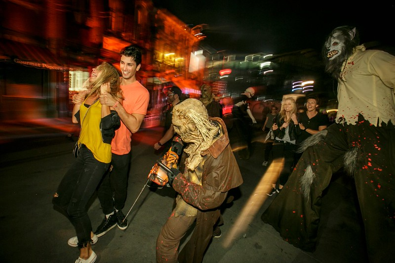 REVIEW: Universal Studios Hollywood HALLOWEEN HORROR NIGHTS delivers familiar thrills, screams, and terrors