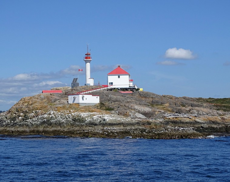 Trial Island lighthouse