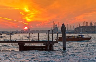 _R5J1881 Orange Sky Boat Canvas 18x28