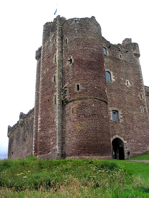 "Doune Castle - site for ""<a href=""http://www.imdb.com/title/tt0071853/"">Monty Python and the Holy Grail</a>"""