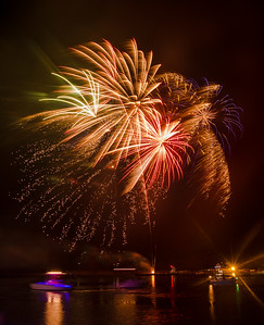 2017 Holiday Fireworks 7