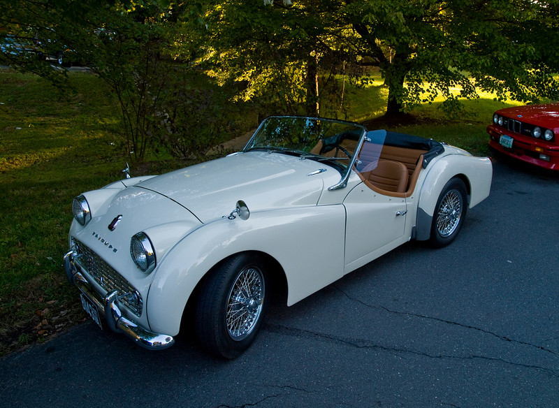 1958 Triumph TR3A, successor to the 1955 – 57 TR3. 2 liter four cylinder engine rated at 100 hp.