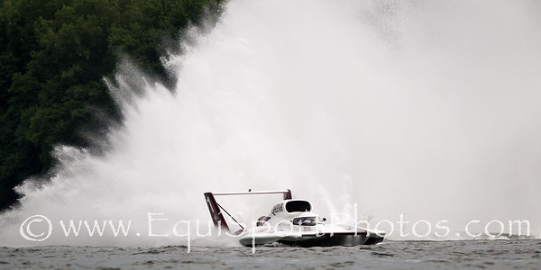 Unlimited Hydroplane Racing 7.08.2012 on the Ohio River. ©2012 Matt Wooley — at Madison, Indiana.