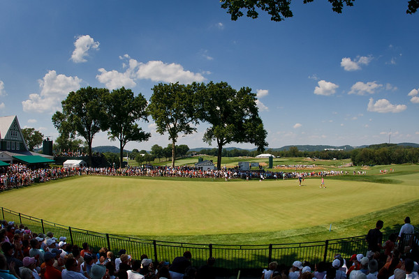 Paula Creamer on the 9th green in the US Women's Open at Oakmont Country Club 7.11.2010 (EquiSport Photos)