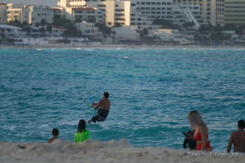 2020-03-15 18 07 112481-Cancun