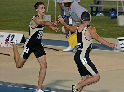 Saturday 4 X 400M final 07