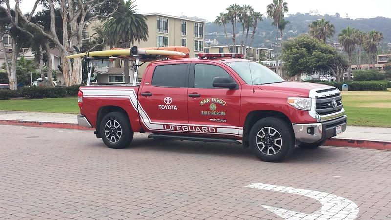 San Diego Lifeguard Toyota Tundra U-31S (ps)