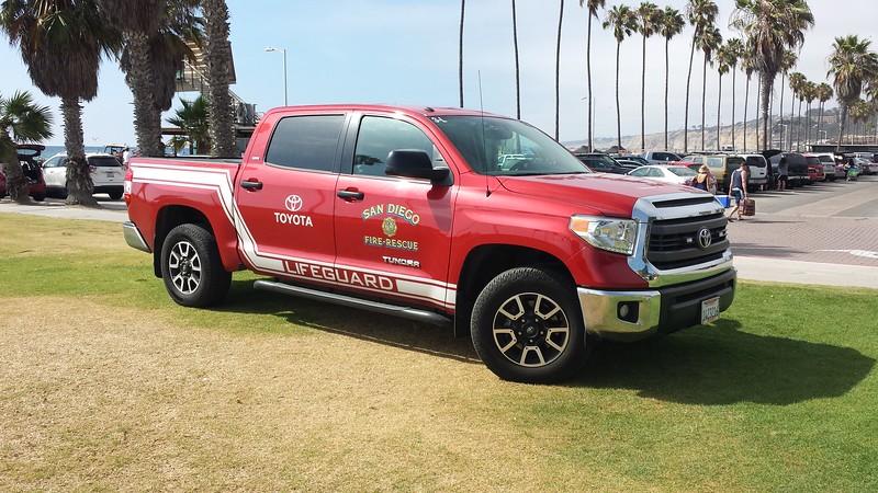 San Diego Lifeguard Toyota Tundra 3-L (ps)