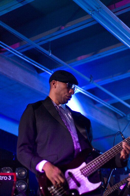 Macy Gray's Bass Player.<br /> (Pentax K20D, FA 50mm f/1.4 lens)