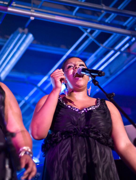 Back Up Singer for Macy Gray.<br /> (Pentax K20D, FA 50mm f/1.4 lens)