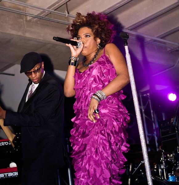 Macy Gray Onstage; Perez Hilton SXSW Party 2010.<br /> (Pentax K20D, DA 40mm lens)