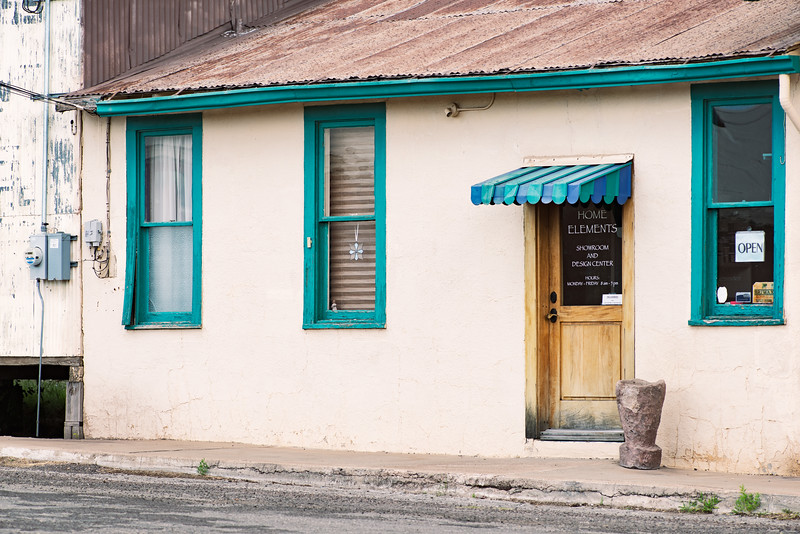 Colorful trim is a given in Alpine, TX.